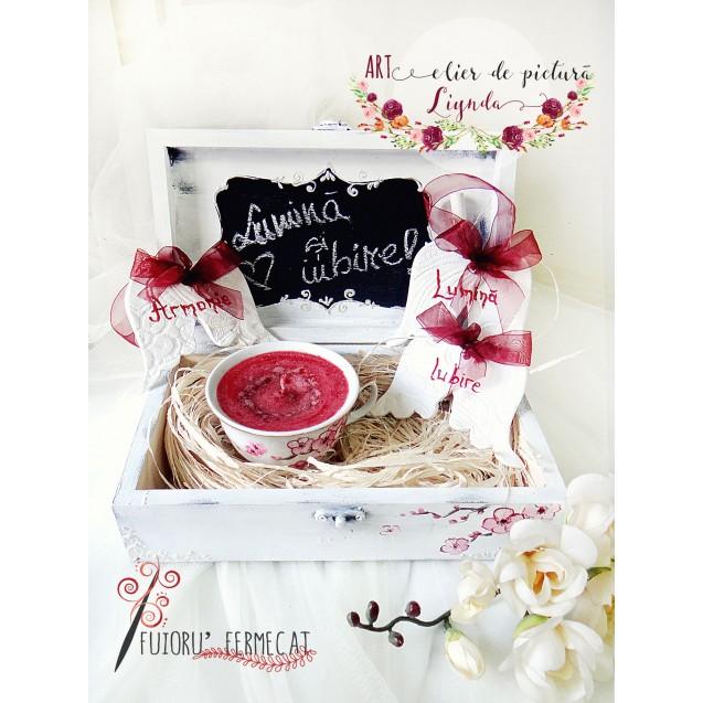 """Cutie cadou din lemn """"Lumina si iubire"""""""