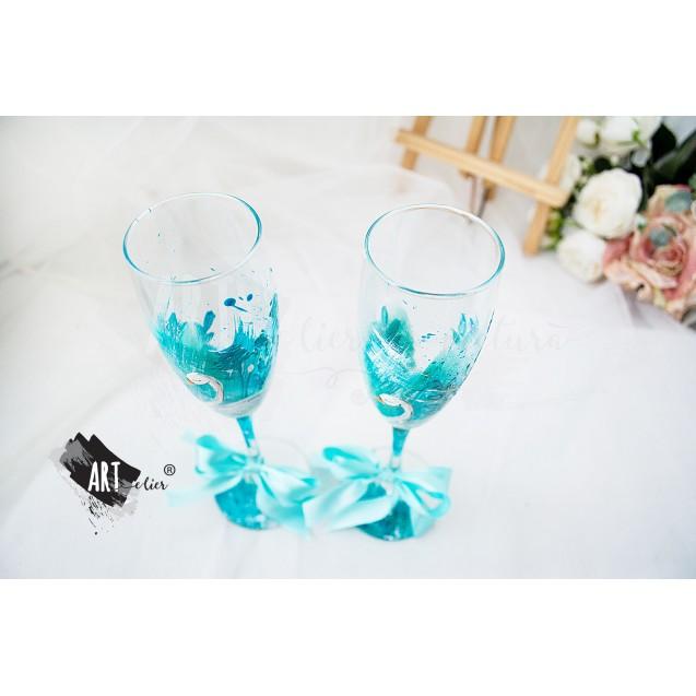 Set 2 pahare sticla pictate manual ARTistic Glasses cu lebada