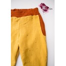 Children's trousers, double gauze, yellow with shinny stars and brick red accents